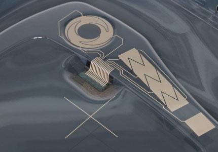 Sensor in Kunststoffteil integriert
